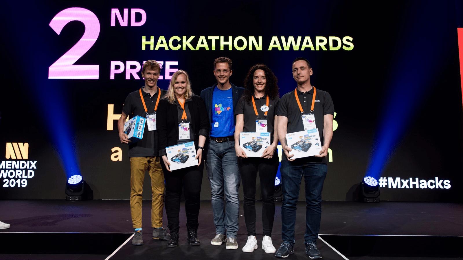 team Mansystems wint tweede prijs MxHacks hackathon op Mendix World 2019
